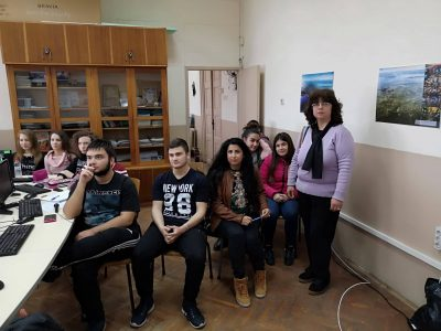 """Ученици от СУ """"Николай Катранов"""" – гр. Свищов се включиха в най-голямата инициатива на CERN – LHC World Wide Data"""