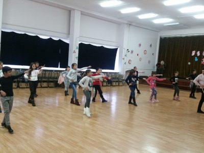 """Латино танци и канго джъмпс в СУ """"Димитър Благоев""""-гр.Свищов"""