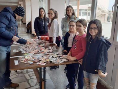 """Ученически съвет при СУ """"Димитър Благоев"""" – гр.Свищов организира благотворителен мартенски базар в полза за лечението на дете"""