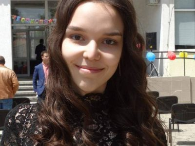 Ученичка от Свищов с три пълни шестици на матурите