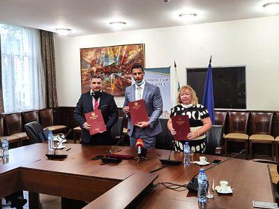 Клъстер в областта на маркетинга и предприемачеството създават Свищовската академия, ИУ – Варна и УНСС