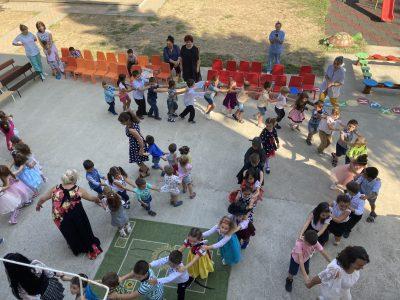 """На добър час, мили деца от ДГ """"Калина Малина""""!"""