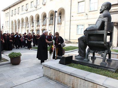 Нов алумни клуб създаде Випуск' 1985 на среща след 35 години в Свищовското висше училище