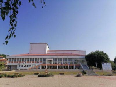 """Жителите и гостите на Ореш се радват на обновената сграда на читалище """"Филип Станиславов"""""""