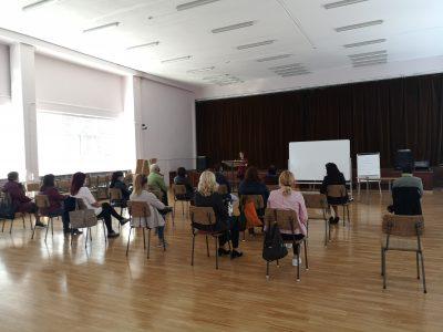 """В СУ  """"Димитър Благоев"""" се проведе кръгла маса на тема """"Взаимодействието  библиотека-училище: възможности и предизвикателства"""""""