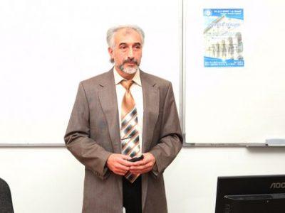 Открита академична лекция на инвестиционна тематика изнесе проф. Стефан Симеонов пред свищовски студенти, преподаватели и граждани