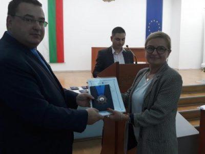 """С почетни награди """"За граждански заслуги"""" в ситуацията на COVID- 19 бяха отличени всички социални центрове в община Свищов"""