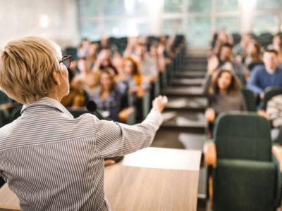 Регламентира се възможността за дистанционно провеждане на семестриални и държавни изпити и видеоконферентна защита на дипломни работи