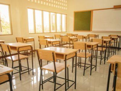 Учители скочиха срещу връщането в клас след 4 януари