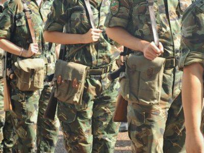 Връщат военното обучение в училищата по нова програма на МОН и МО