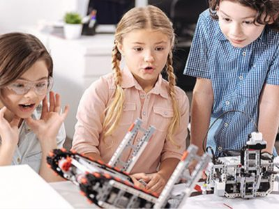 STEM учи като отразява реалния живот