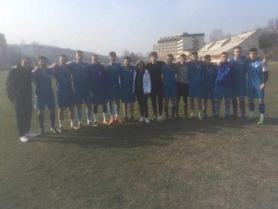 """Отборите на СУ """"Николай Катранов"""" по футбол за момчета и младежи се класираха за областния кръг на Ученическите игри"""