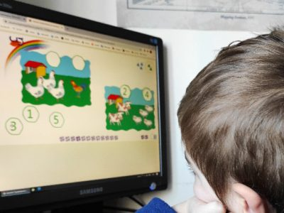 Занятията в училищата и в детските градини – в електронна среда за 10 дни