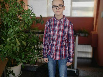 Иван Динев-шестокласникът с най-висок резултат на олимпиадата по математика