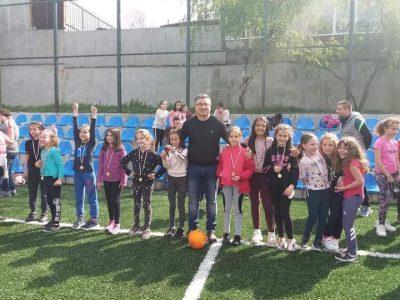 """Футболен празник организиран от  ОФК Академик за малките ученици от СУ""""НИКОЛАЙ КАТРАНОВ"""""""