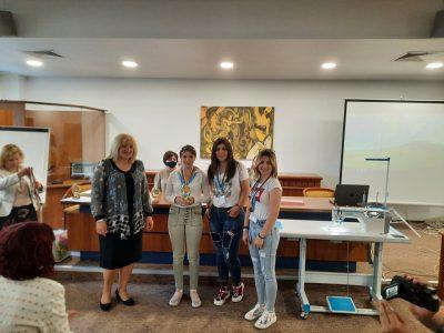 """Ученици от СПГ """"Алеко Константинов"""" с награда от националното състезание """"Млади таланти в модата"""""""