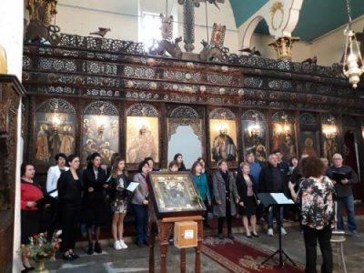 """Първи български хор """"Янко Мустаков"""" поздрави жителите на Свищов с Великденски концерт"""