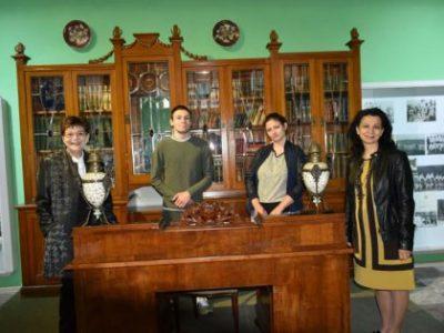 """Катедра """"Социални и правни науки"""" организира посещение на студенти в Академичния музей"""