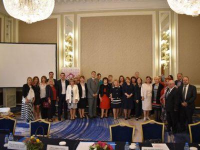 Заключителна конференция отчете резултатите от проект на МОН и СБУ за обучение на учители, проведено от Свищовската академия