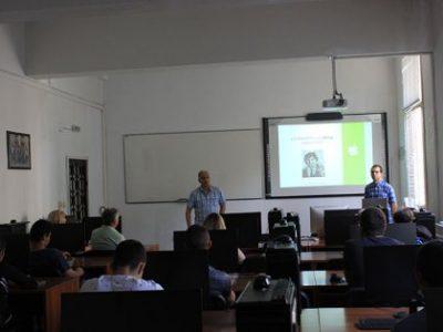"""Катедра """"Бизнес информатика"""" посрещна свищовски ученици от специалност """"Компютърна техника и технологии"""""""